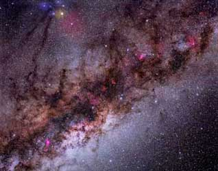 This photo clearly shows the dust lanes looking towards the center of the Milky Way galaxy. These dust lanes obscure the center of the galaxy in visible light. (photo credit: Dave Palmer)